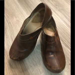 Pre-Owned Womens Dansko Leather Clogs - Size 37
